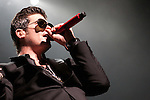 Robin Thicke performs during the Alicia Keys Freedom Tour at the Verizon Center on Thursday, March 25, 2010 in Washington, DC.