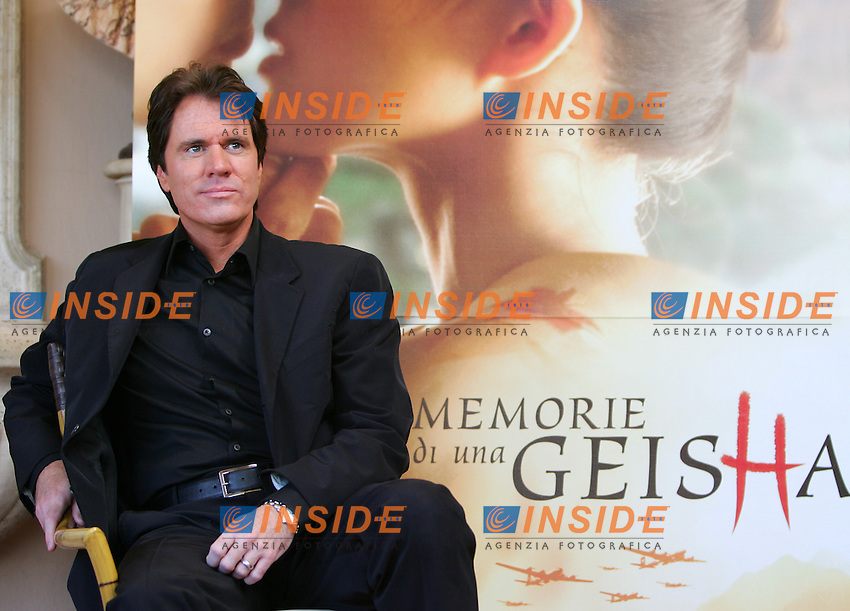 Roma 14/12/2005 Photo Calll per la presentazione del film &quot;Memorie di una Geisha&quot; - &quot;Memoirs of a Geisha&quot; Regia di Rob Marshall.<br /> Film Director Rob Marshall poses for photographers during the photocall. Rob Marshall directed also film &quot;Chicago&quot;<br /> Il Regista del film Rob Marshall, regista in passato del film Chicago<br /> Photo Andrea Staccioli Insidefoto