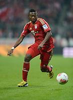 FUSSBALL   1. BUNDESLIGA  SAISON 2012/2013   21. Spieltag  FC Bayern Muenchen - FC Schalke 04                     09.02.2013 David Alaba (FC Bayern Muenchen) Einzelaktion am Ball