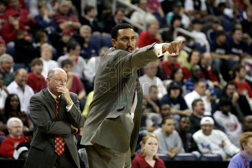 University of Georgia coach Dennis Felton in a basketball game against Gonzaga University at The Arena at Gwinnett Center in Duluth, Ga. on Saturday, Dec. 16, 2006. Georgia won 96-83.<br />
