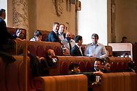 Roma, 13 Giugno 2012.Consiglio comunale in Campidoglio nell'aula Giulio Cesare per  la discussione sulla  cessione del 21% della controllata Acea, l'azienda che si occupa di acqua e servizi. I consiglieri del centrodestra