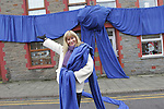 Welsh Water Christmas Wrap Up with Sian Lloyd<br /> Tonyrefail<br /> 12.12.12<br /> &copy;Steve Pope