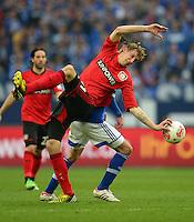 FUSSBALL   1. BUNDESLIGA   SAISON 2012/2013    29. SPIELTAG FC Schalke 04 - Bayer 04 Leverkusen                        13.04.2013 Stefan Kiessling (vorn, Bayer 04 Leverkusen) gegen Christoph Moritz (hinten, FC Schalke 04)