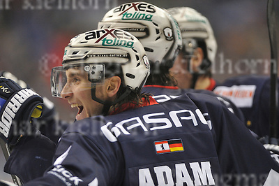 December 04-16,Mercedes-Benz-Arena,Berlin,Germany<br /> DEL Ice-Hockey ,German ice-hockey<br /> Eisbaeren Berlin vs FISCHTOWN PINGUINS<br /> Another goal for Berlin,Maximilian Adam celebrates with his teammates in the2nd period 3:2!