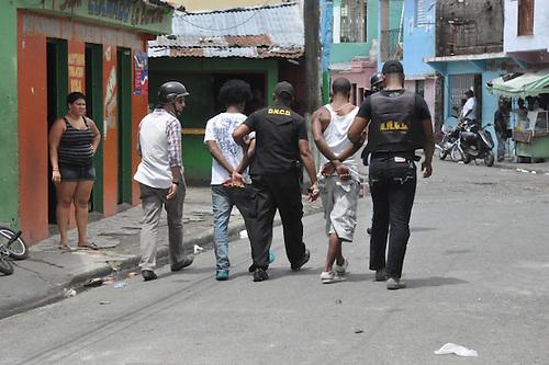 Reclaman al presidente Leonel Fernández que enfrente corrupción y abusos policiales