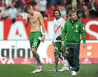 FUSSBALL   1. BUNDESLIGA  SAISON 2011/2012   6. Spieltag 1 FC Nuernberg - SV Werder Bremen         17.09.2011 Sebastian Proedl, Claudio Pizarro , Marko Marin (V. LI., SV Werder Bremen)