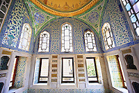 The Ottoman architecture of the Privy Chamber of Sultan Murad III decorated with 16th century Iznk tiles. Topkapi Palace, Istanbul, Turkey