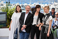 Charlotte Gainsbourg, Marion Cotillard, Alba Rohrwacher &amp; director Arnaud Desplechin at the photocall for &quot;Ismael's Ghosts&quot; at the 70th Festival de Cannes, Cannes, France. 17 May 2017<br /> Picture: Paul Smith/Featureflash/SilverHub 0208 004 5359 sales@silverhubmedia.com