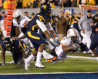 October 23, 2008: Auburn running back Brad Lester scores on a 16-yard TD reception. The West Virginia Mountaineers defeated the Auburn Tigers 34-17 on October 23, 2008 at Mountaineer Field, Morgantown, West Virginia.