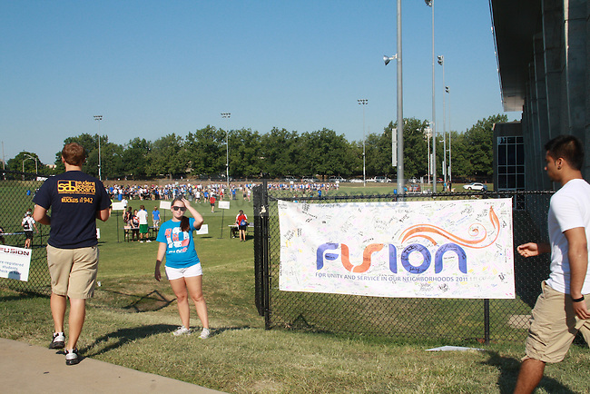 Students head to Johnson Center fields for FUSION on Monday, August 20th, 2012. FUSION is an annual community service event held in the Lexington area. Photo by Kalyn Bradford | Staff