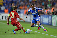FUSSBALL   SAISON 2011/2012   CHAMPIONS LEAGUE FINALE FC Bayern Muenchen - FC Chelsea  19.05.2012 Philipp Lahm (li, FC Bayern Muenchen) gegen Ryan Bertrand (re, FC Chelsea)