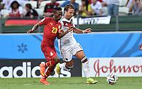 FUSSBALL WM 2014  VORRUNDE    GRUPPE G     Deutschland - Ghana                 21.06.2014 Harrison Afful (li, Ghana) gegen Mario Goetze (re, Deutschland)