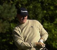 Photo Peter Spurrier.19/10/2002 Sat.CISCO World Matchplay Championships - Wentworth.Ernie Eels follows the flight of his drive, on the 2nd tee...[Mandatory Credit Peter Spurrier/ Intersport Images]