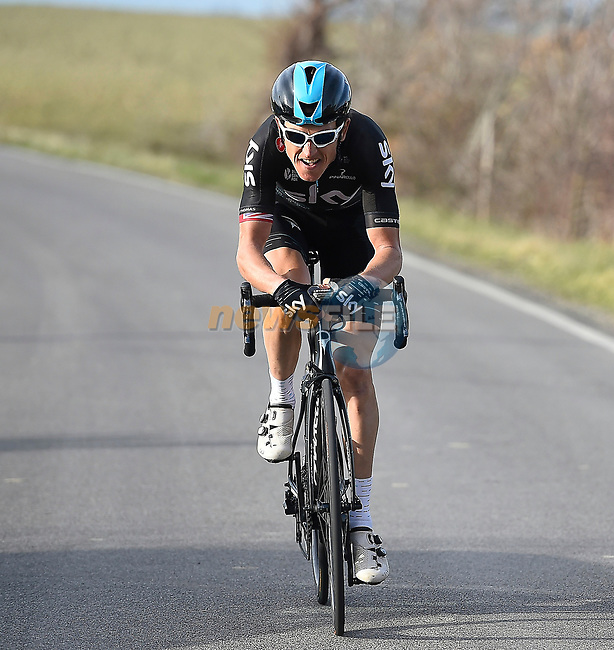 Geraint Thomas (WAL) Team Sky takes control of the race on the final climb during Stage 2 of the 2017 Tirreno Adriatico running 229km from Camaiore to Pomarance, Italy. 9th March 2017.<br /> Picture: La Presse/Fabio Ferrari   Cyclefile<br /> <br /> <br /> All photos usage must carry mandatory copyright credit (&copy; Cyclefile   La Presse)