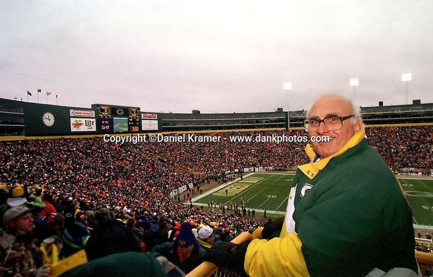 Former Green Bay Packers guard Fred 'Fuzzy' Thurston prepares to watch the December 22, 1996 game against the Minnesota Vikings.