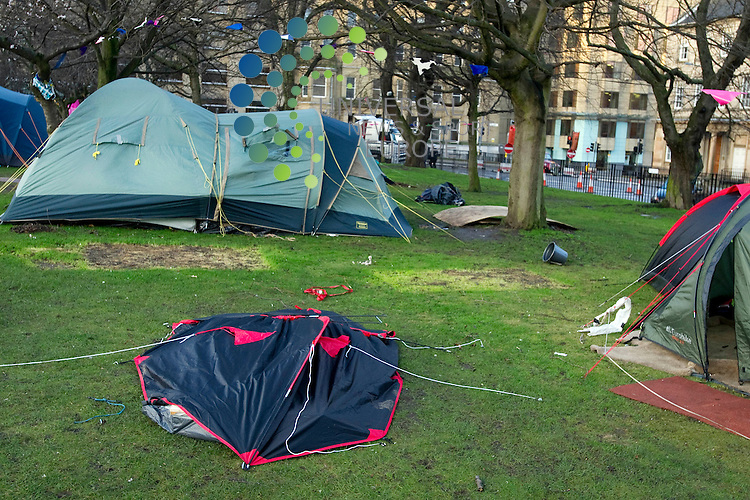 High winds hit Edinburgh keeping the Emergency Services busy, Edinburgh, Scotland, 3rd January, 2012. St Andrew Square Gardens occupied by Anti-Capitalist protesters..Picture:Scott Taylor Universal News And Sport (Europe) .All pictures must be credited to www.universalnewsandsport.com. (Office)0844 884 51 22.