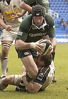 Reading, Berks, ENGLAND, 15.04.2006, Exiles Olivier Magne, is halted before the line by his opposite Number Nathan Thomas, as the London Irish win in the Guinness Premiership Match, London Irish vs Leed Tykes, Madejski Stadium,  © Peter Spurrier/Intersport-images.com.