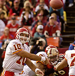 Kansas City Chiefs quarterback Trent Green (10) passes ball on Sunday, November 10, 2002, in San Francisco, California. The 49ers defeated the Chiefs 17-13.