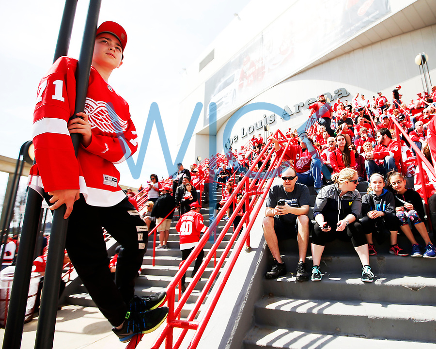 Detroit Red Wings fans await the start of the red carpet event prior to the final game against the New Jersey Devils at Joe Louis Arena in Detroit, Michigan on Sunday April 9, 2017. (Photo by Jared Wickerham/The Players Tribune)