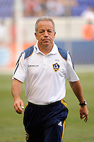 Los Angeles Galaxy associate head coach Dave Sarachan. The Los Angeles Galaxy defeated the New York Red Bulls 1-0 during a Major League Soccer (MLS) match at Red Bull Arena in Harrison, NJ, on August 14, 2010.
