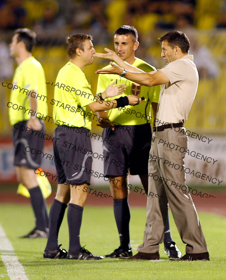 Fudbal, Meridijan super liga, sezona 2007/08.Partizan Vs. Banat.head coach Miroslav Djukic, right.Beograd, 26.08.2007..foto: Srdjan Stevanovic