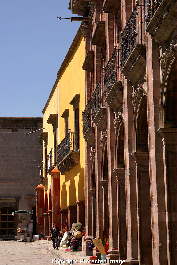 Spanish colonial buildings on the Jardin, San Miguel de Allende, Mexico. San Miguel de Allende is a UNESCO World Heritage Site.