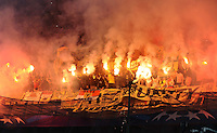 FUSSBALL   CHAMPIONS LEAGUE   SAISON 2013/2014   Vorrunde SSC Neapel - Borussia Dortmund      18.09.2013 Borussia Dortmund Fans brennen Pyros im Stadion San Paolo ab.