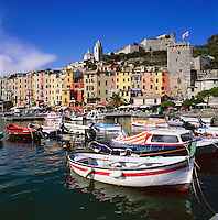 Italy, Liguria, Portovenere: Harbour at Golfo della Spezia | Italien, Ligurien, Portovenere: Hafen am Golf von La Spezia