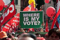 Roma 12 Giugno 2010.Manifestazione dei lavoratori e pensionati del sindacato CGIL per protestare contro la manovra economica del Governo. Dissidenti Iraniani.Rome June 12, 2010.Demonstration of workers and pensioners of the CGIL union, to protest the government's economic measure.