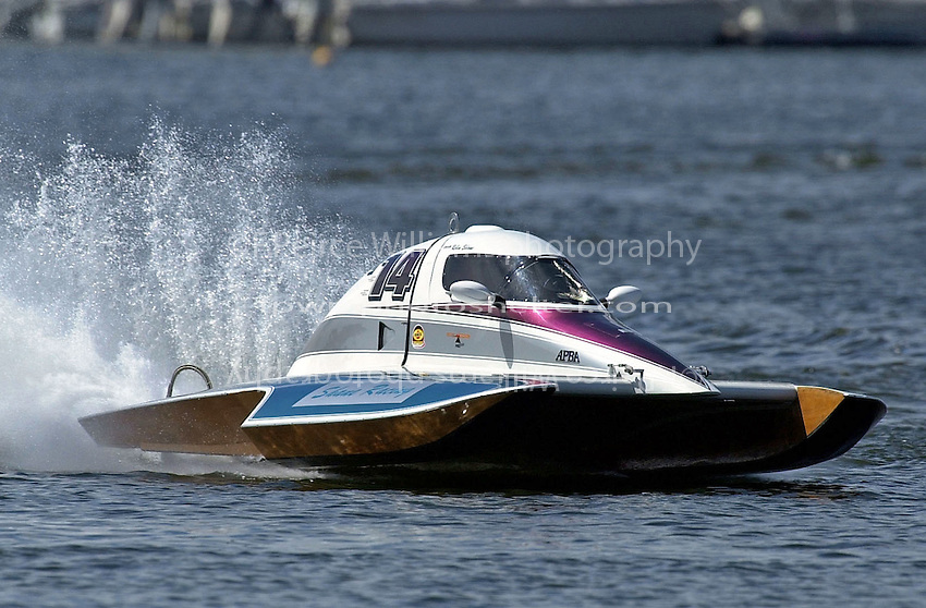 T-14.  (1.5 Litre Stock hydroplane(s)