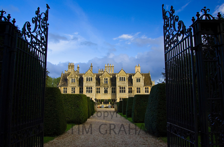Manor house in Shipton-Under-Wychwood, The Cotswolds,  Oxfordshire, United Kingdom
