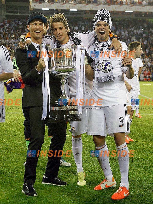 Real Madrid's Cristiano Ronaldo (l), Fabio Coentrao (c) and Pepe celebrate the victory in the spanish KIng's Cup Final match.April 16,2014. (ALTERPHOTOS/Acero) <br /> Finale Coppa del Re<br /> Real Madrid Barcellona <br /> Foto Insidefoto