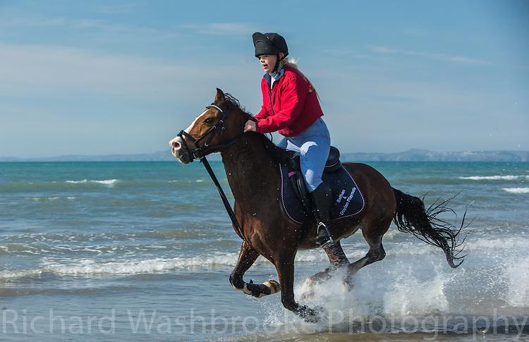 Pembrokeshire  5th April 2015<br /> <br /> Photo: Richard Washbrooke Sports Photography