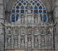 Western facade, Avila Cathedral, 12th-14th centuries, Avila, Spain Avila, Castile and Leon, Spain. Begun, 1095, in Romanesque style with fortifications, the style later switched to Gothic. Picture by Manuel Cohen