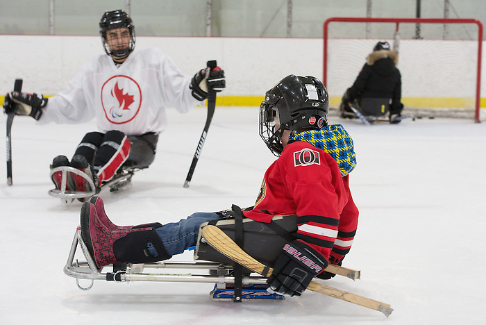 Ottawa, ON - January 24 2017 - Members of the media and public try Sledge Hockey after Todd Nicholson is announced as the Team Canada Chef de Mission for the 2018 Paralympic Winter Games in Pyeongchang, South Korea at the Jim Durrell Recreation Complex in Ottawa, Ontario, Canada (Photo: Matthew Murnaghan/Canadian Paralympic Committee)