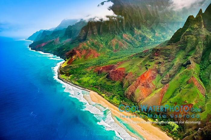 Kalalau Valley and Kalalau Beach, the end of the 11 mile trail, Na Pali coast, Kauai, Hawaii, USA, Pacific Ocean