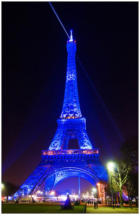 eiffel tower at night in blue light phil haber photography. Black Bedroom Furniture Sets. Home Design Ideas