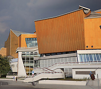 The Berliner Philharmonie concert hall, home to the Berlin Philharmonic Orchestra, built 1960-63 by Hans Sharoun, Tiergarten, Berlin, Germany. Picture by Manuel Cohen