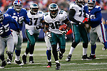7 Dec 2008: Philadelphia Eagles running back Brian Westbrook #36 runs the ball for a touchdown during the game against the New York Giants on December 7th, 2008. The Eagles won 20-14 at Giants Stadium in East Rutherford, New Jersey.