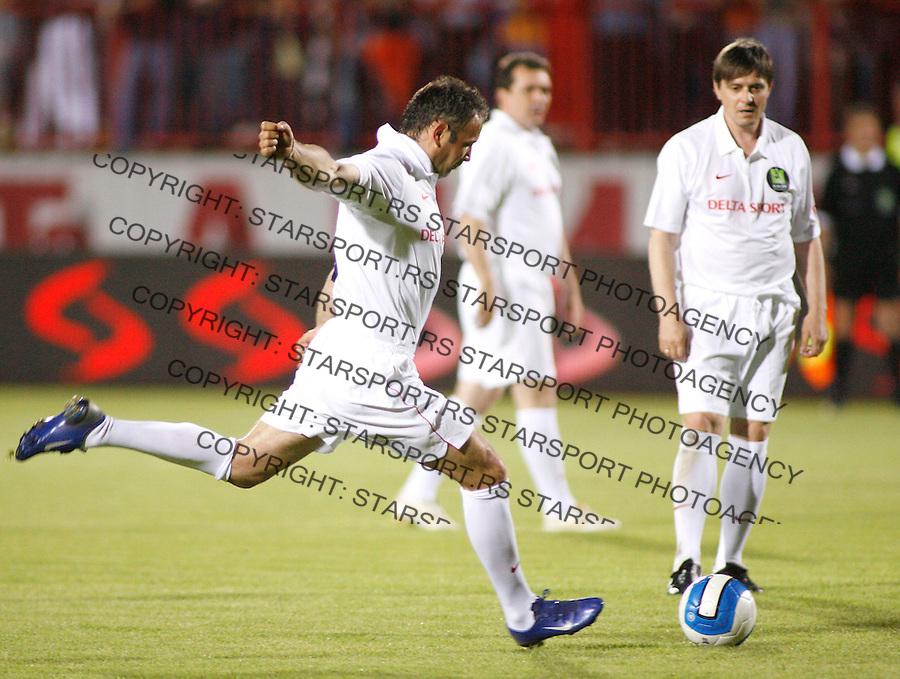 Fudbal, farewell of Sinisa Mihajlovic.FK Inter Vs. Sinisa friends, oprostajni mec.Sinisa Mihajlovic, left and Dragan Stojkovic.Novi Sad, 05.28.2007..foto: Srdjan Stevanovic