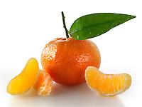 Fresh mandarins fruits with leaves