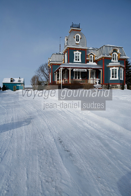 Amérique/Amérique du Nord/Canada/Québec/  Deschambault: L'Auberge Chemin du Roy  maison de bois de style victorien