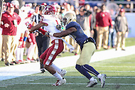 Annapolis, MD - December 3, 2016: Temple Owls wide receiver Tyris Wooten (1) catches a pass during game between Temple and Navy at  Navy-Marine Corps Memorial Stadium in Annapolis, MD.   (Photo by Elliott Brown/Media Images International)