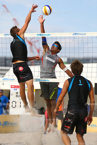(L-R)<br /> Ty loomis,<br /> Shinya Hata,<br /> SEPTEMBER 21, 2015 - Beach Volleyball : <br /> JBV Tour 2015 Tokyo Open<br /> Men's Final<br /> at Odaiba Beach, Tokyo, Japan.<br /> (Photo by Shingo Ito/AFLO SPORT)
