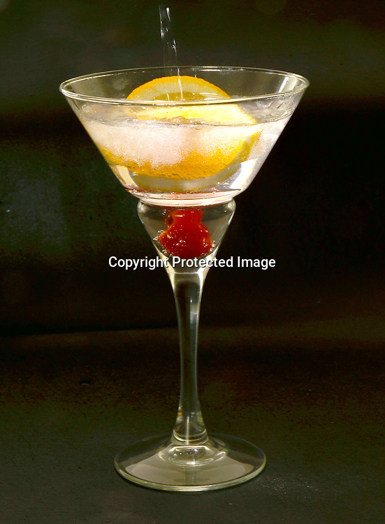 Royalty Free Stock photo of sparkling beverage
