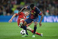 FUSSBALL  CHAMPIONS LEAGUE  HALBFINALE  RUECKSPIEL  2012/2013      FC Barcelona - FC Bayern Muenchen              01.05.2013 Bastian Schweinsteiger (li, FC Bayern Muenchen) gegen Alex Song (re, Barca)