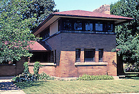 Frank L. Wright: George Barton House, 118 Summit Ave., Buffalo. 1903-1904.  Built for Darwin Martin's sister. Cost: $11,500 as compared to Martin's $80,000 house.  (Photo '88)