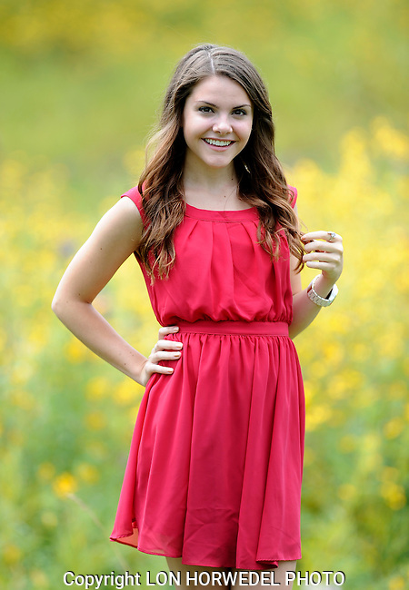Allie Irwin senior portraits.