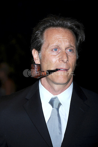 Steven Weber arrives at the White House Correspondents' Association Dinner in Washington, DC. May 1, 2010. Credit: Dennis Van Tine/MediaPunch