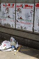 Roma 27 Maggio 2008.Attivisti del Partito di estrema destra Forza Nuova, hanno aggredito nei pressi dell'Università La Sapienza, studenti  universitari di sinistra. Bastoni, chiavi inglesi, e un megafono sul luogo dell'aggressione.Activists of the Party of extreme right Forza Nuova (New Force), has attacked near the university La Sapienza,  undergraduates of left..Sticks, the key  British, and a megaphone on the place of the aggression